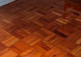Empresa de reforma de taco de madeira