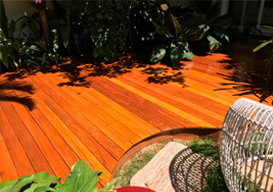 Reparo em deck de madeira