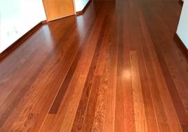 Serviço de colocação de piso de madeira
